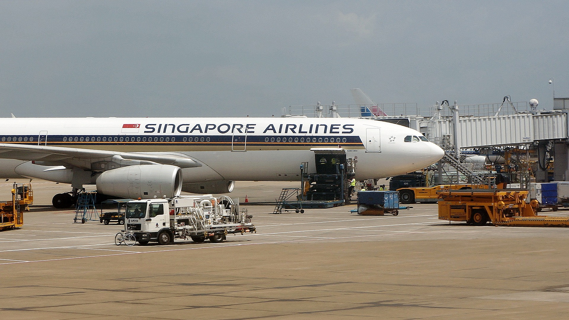 Singapore Airlines cabin crew member arrested