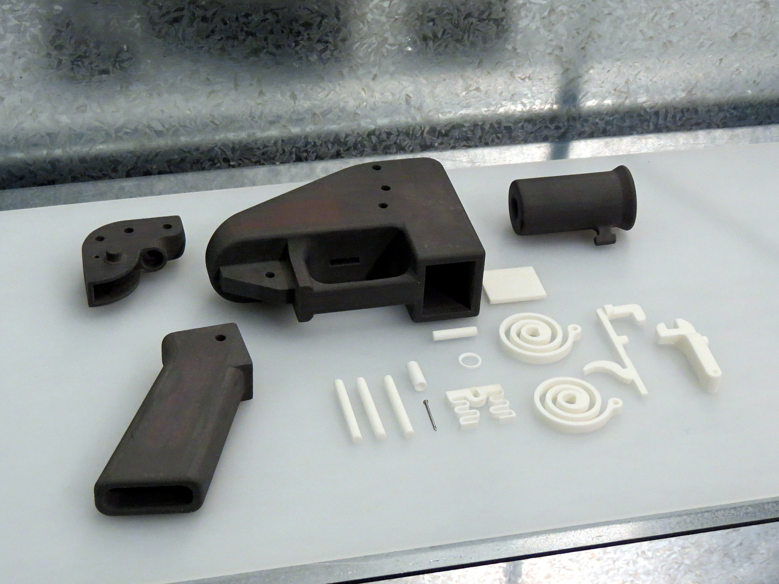 3D-printed guns and semi-automatic firearms