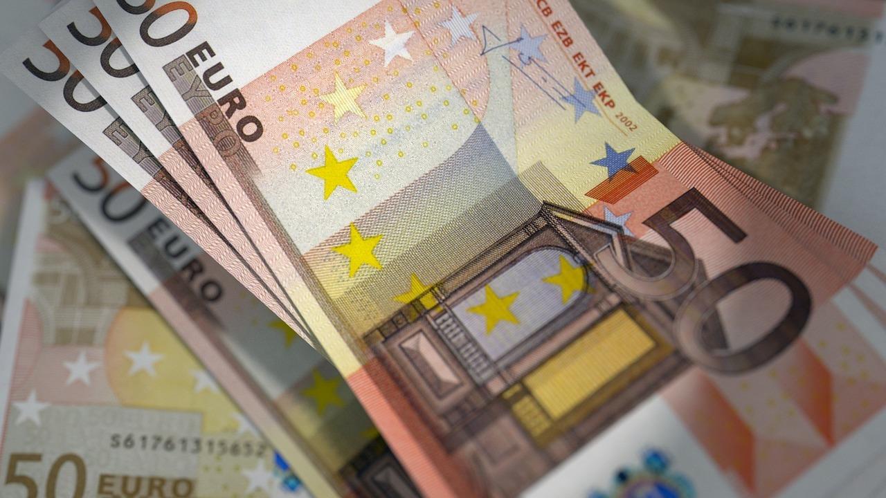 euro banknote dark web counterfeiters