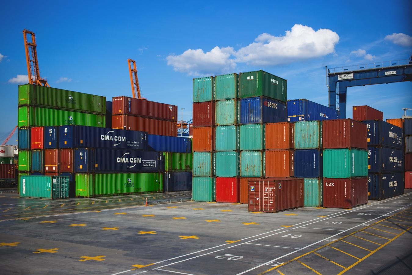 39 dead migrants in truck container