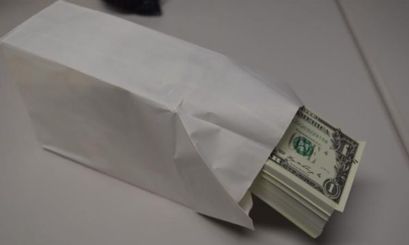 bogus bank bills with face value of $900,000
